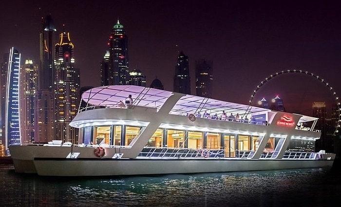 125ft Yacht 5* Dinner Cruise at Dubai Marina