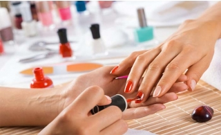 Customers can enjoy having their nails polished with a classic or gel manicure and pedicure at Cosmeza Beauty center