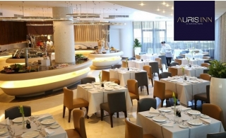 Lunch or Dinner + Access to Pool and Gym at 4* Auris Inn Al Muhanna Hotel.