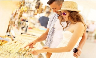 Private Dubai Shopping Tour for 6 pax